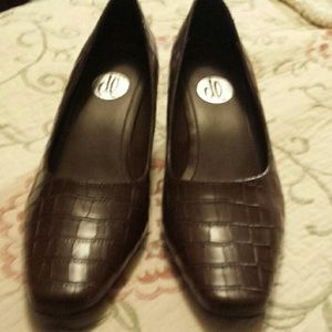 Donna Lawrence low heel shoes